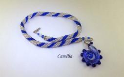 Collier de perles Camélia-www.metiersdart-cadeaux.com
