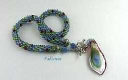 collier de perles Fabienne-www.metiersdart-cadeaux.com