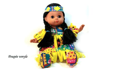 poupée venyle jaune