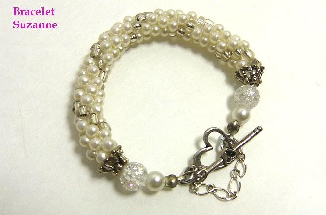 Bracelet de perles Suzanne, Ce magnifique bracelet est composé de perles  blanches avec insertion de