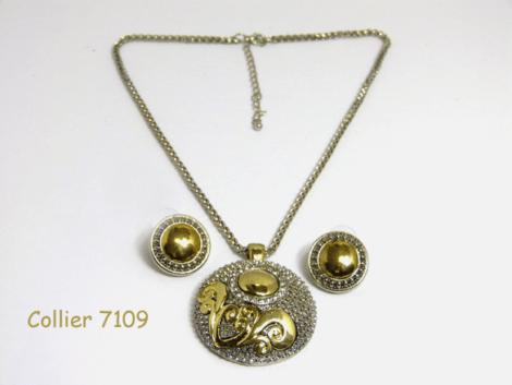 magnifique pendentif argent et or avec une chaine en argent.